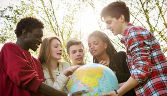 Devo fazer um curso de curta duração no exterior?