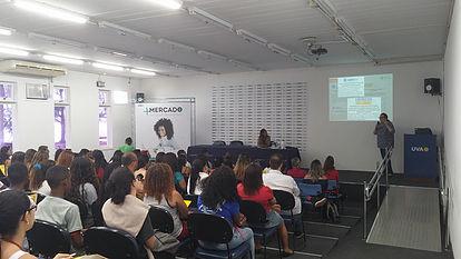 Uva recebe palestras sobre o mercado de trabalho, estágio e intercâmbio
